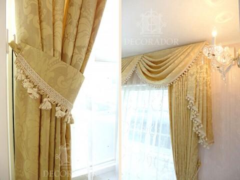 クラシックなカーテンの細部拡大画像