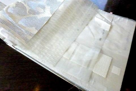 白いカーテンやレース生地の画像