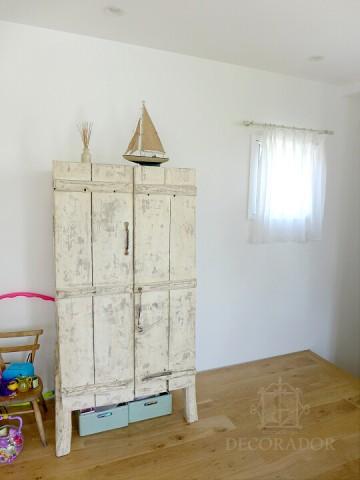 シャビーシックな戸棚の画像