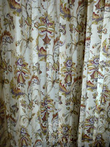 柄の綺麗なカーテン