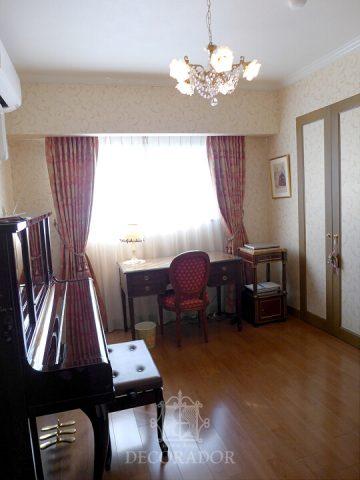 ピアノ室のカーテン