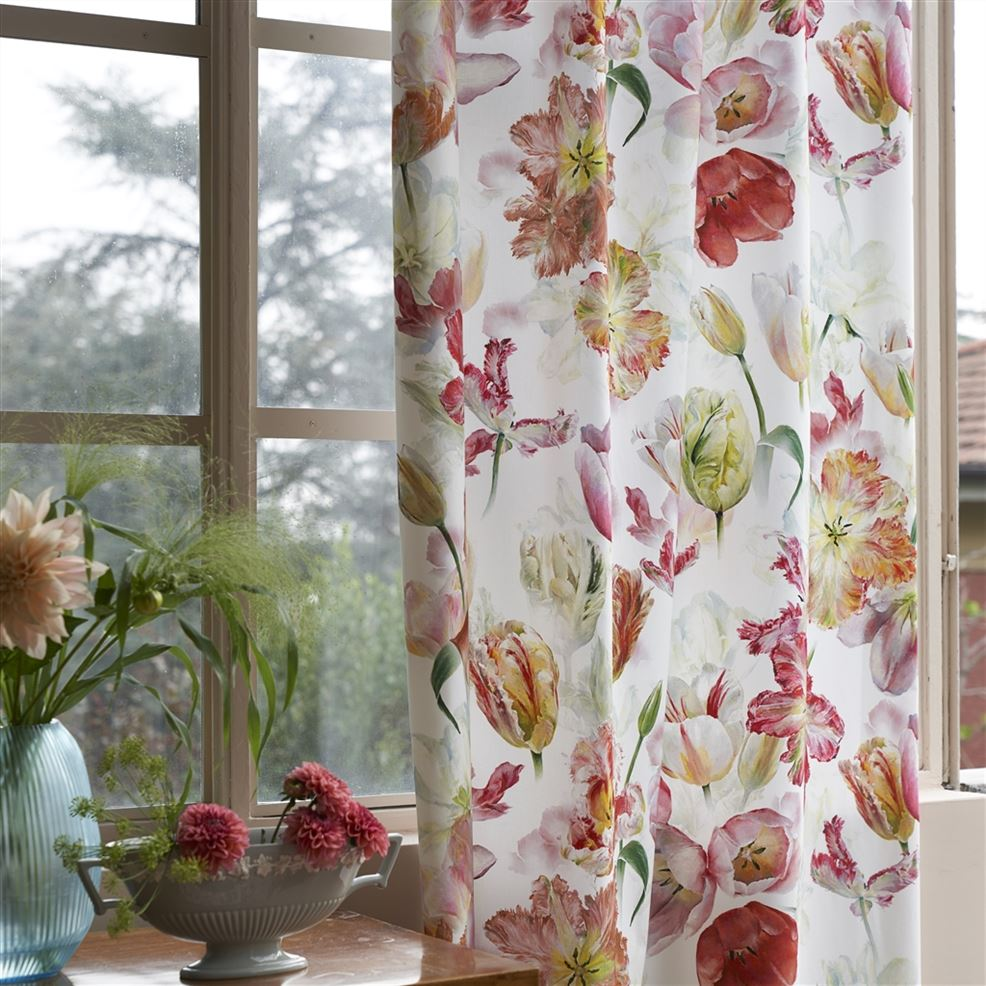 tulip curtain
